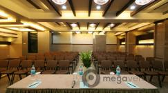 conference-room-and-banquet-hall-at-hotel-dhiraj